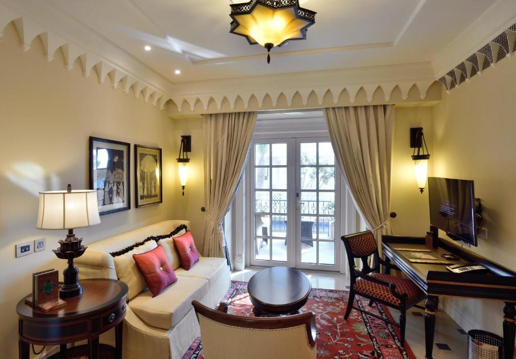 Deluxe Suite with Pool, 1 Bedroom 2 room Suite, Resort view