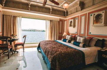 Luxury Room Lake View