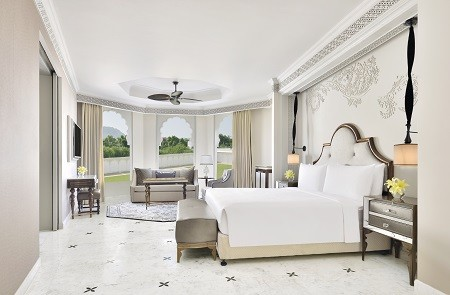 King Royal Guest Room