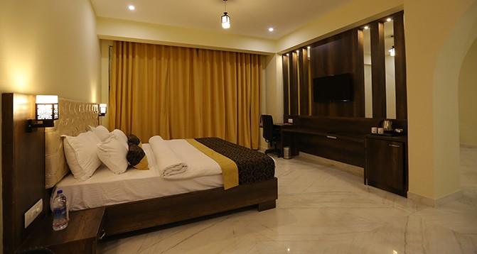 Premier Lake View Rooms